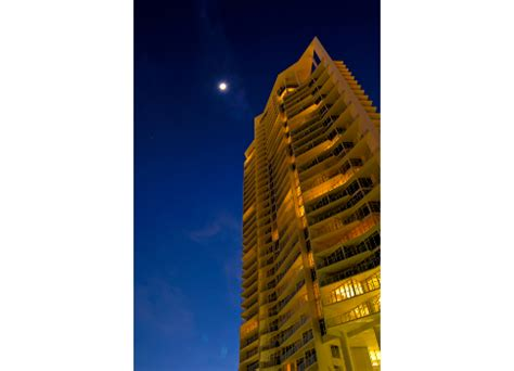 Case Studies of Recent High-Rise Structures Structures